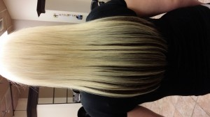 hair extensions in blonde and black